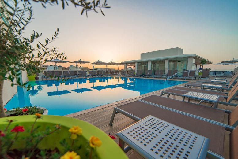 Beach Holidays: 3-5nt 4* Luxury Malta Escape & Flights - Mellieha Bay!