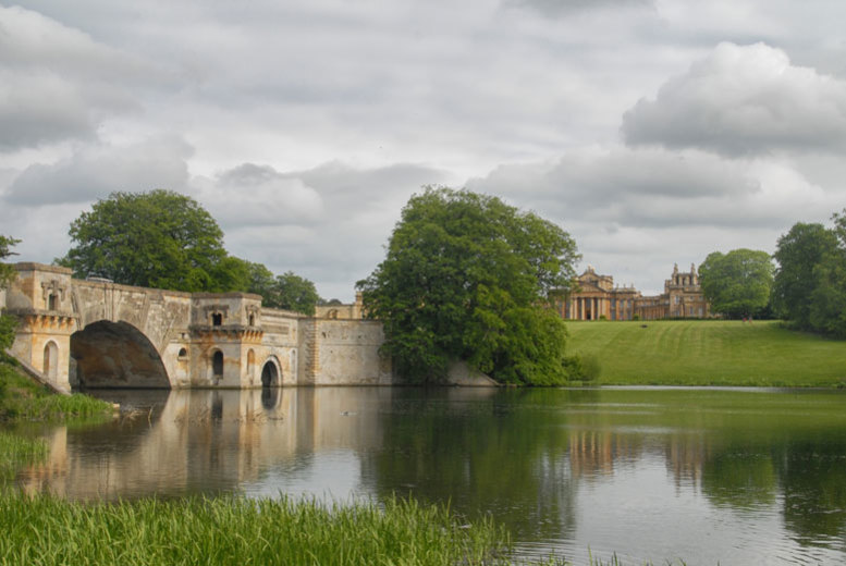 Spas & Country House: 4* De Vere Stay, Breakfast, Spa Access & Blenheim Palace Tkts for 2