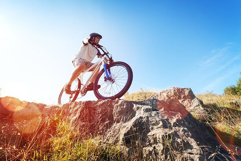 £8 for a mountain biking lesson for one adult, £12 for one adult and one kid, £15 for two adults, £25 for two adults and two kids at Wakelake - save up to 54%