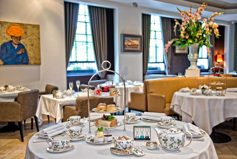 £39 instead of £99 for an afternoon tea for two people with a glass of Prosecco each, or £46 to include a bottle at Millennium Hotel, London Mayfair - save up to 61%