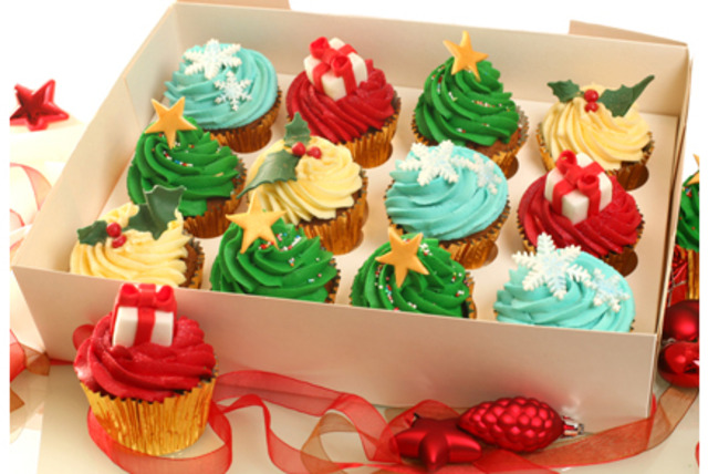 £10 instead of £42 for a box of 12 luxury Christmas cupcakes from 3D Cakes, Edinburgh - save 76%
