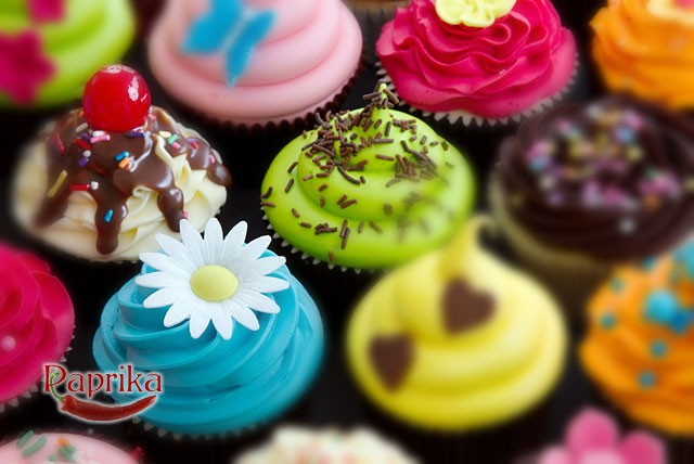 £29 instead of £90 for a 3 hour cupcake decorating class, lunch and 6 cupcakes to take home at Paprika Coffee Bar, Stockport - save 68%