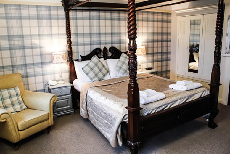 Spas & Country House: 1-2nt Yorkshire Manor Retreat & Breakfast for 2 - Dining Option!
