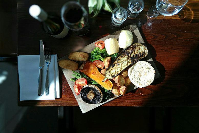 Restaurants & Bars: Roast Board Dining & Drink for 2 @ The Hilton Canary Wharf