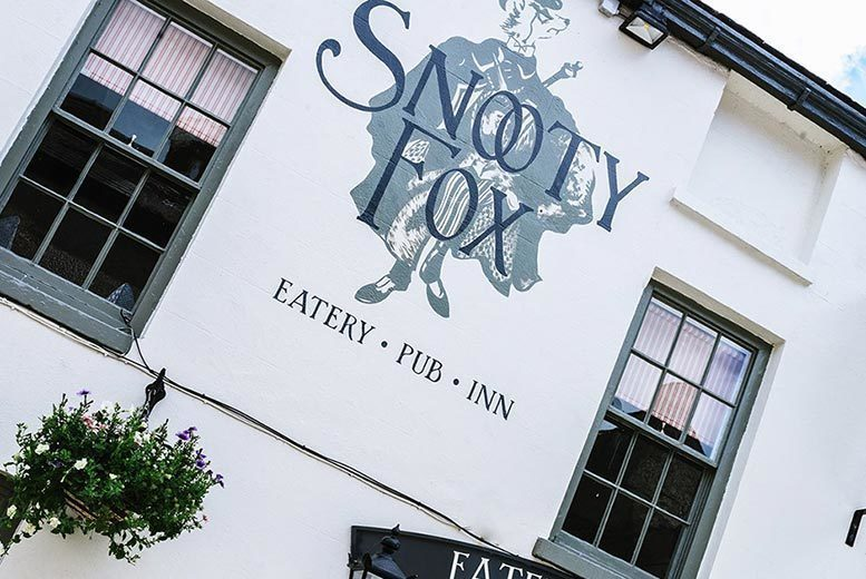Spas & Country House: 1-2nt Snooty Fox Inn Stay With Breakfast & 2-Course Dining for 2