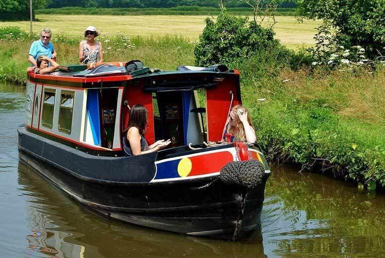 Activities: 1-Day Private Narrow Boat Hire, Shropshire Union Canal