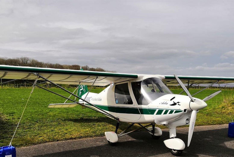 Activities: 1hr Or 2hr Flight Experience in Hungerford or Camberly