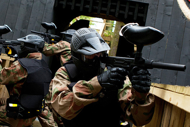 £10 for a paintballing day for up to 10 inc. 100 balls each, £14 for 20 at 27 UK locations with Horizon Paintball - save up to 95%