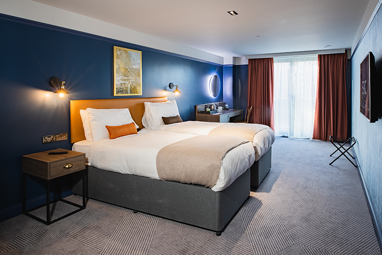 UK City Breaks: 4* Central Liverpool Stay, Wine, Breakfast & Late Check Out for 2