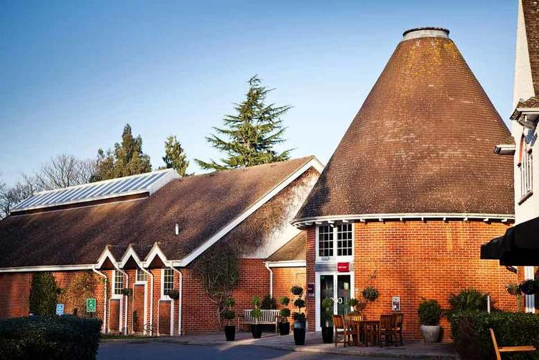 Spas & Country House: 4* Tunbridge Wells Stay, Dining, Breakfast & Leisure Access for 2