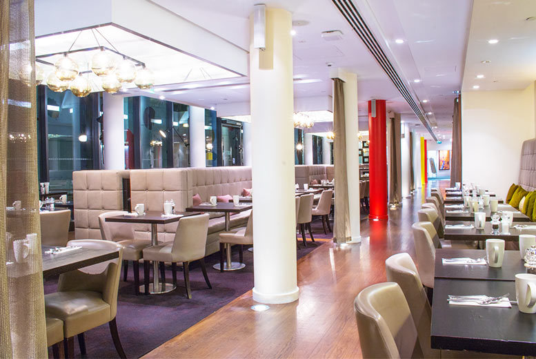 Restaurants & Bars: Afternoon Tea for 2 & Glass of Prosecco @ 4* Hilton Westminster