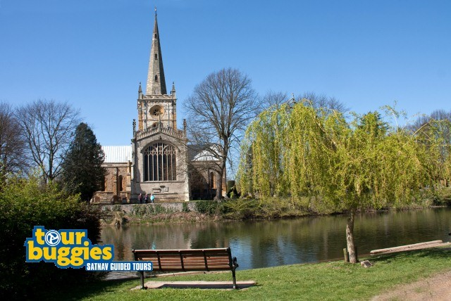 £27 for a 1hr satnav guided tour of Shakepeare's Stratford for 2 people or £73 for a 3hrs with Tour Buggies, Birmingham - save up to 51%