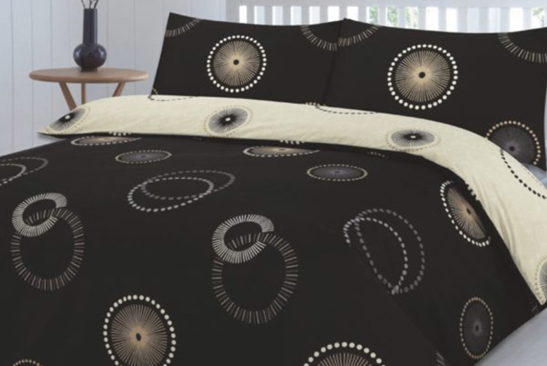 Eden Duvet Cover Set – 3 Colours & 4 Sizes! (£8.99)