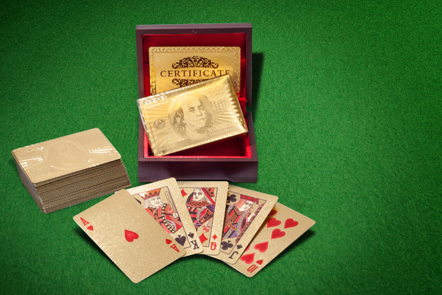 £11 (from Merchtopia) for a pack of 24k gold-plated playing cards or £16.99 for an additional pack of silver-plated playing cards - save up to 84%