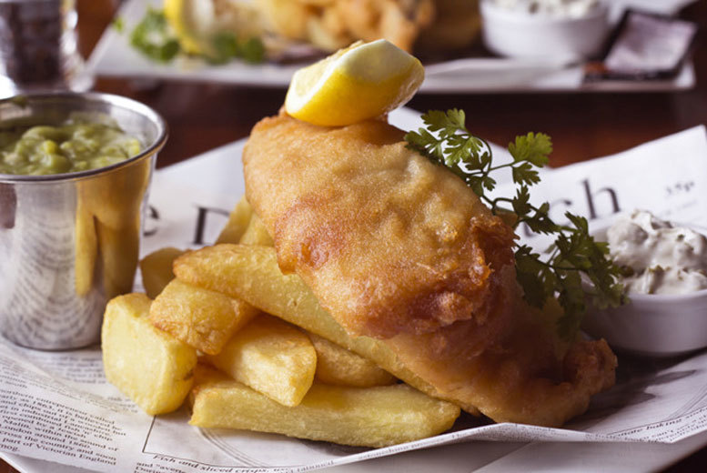 Restaurants & Bars: Fish & Chips with Beer or Prosecco for 2