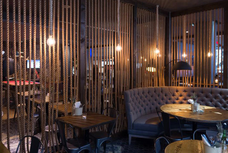 Restaurants & Bars: Afternoon Tea & Prosecco for 2 @ 4* Novotel Liverpool