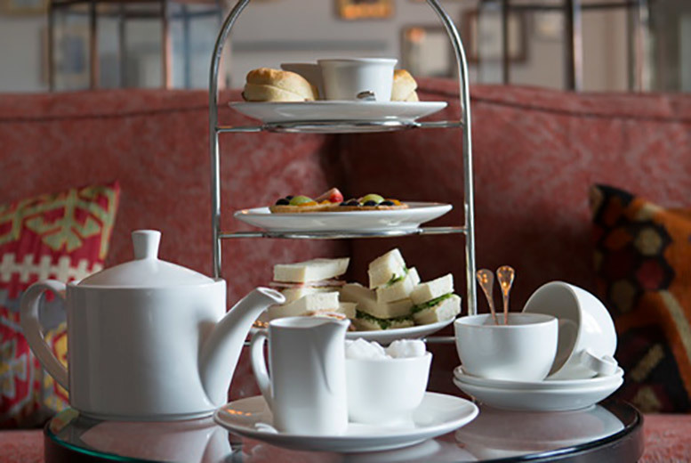 Restaurants & Bars: Afternoon Tea For 2 @ The White Swan Hotel - Prosecco Upgrade!