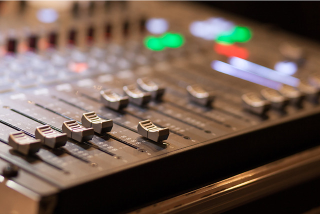 £15 for a 60-minute drum, recording or production tutorial at Soundwave Recording Studio, Nottingham