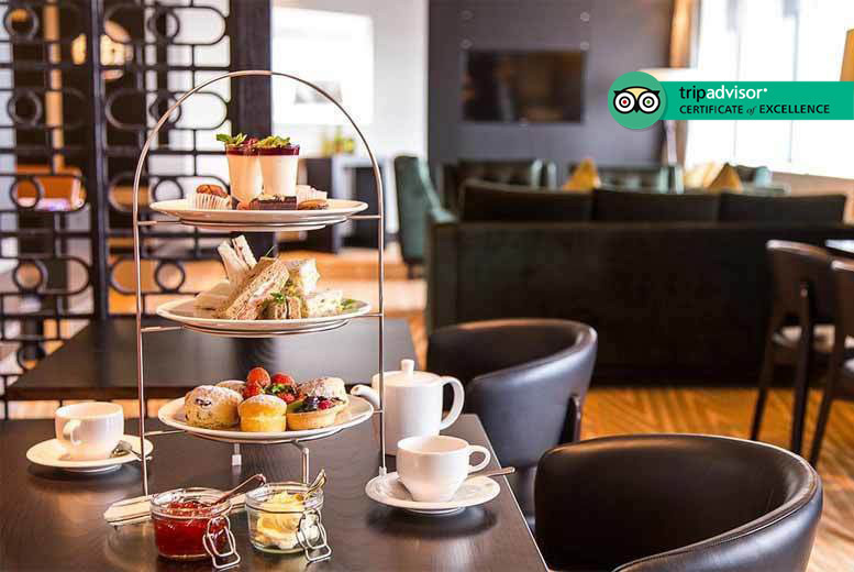 Restaurants & Bars: Afternoon Tea & Cocktails for 2 @ 4* Hilton Canary Wharf