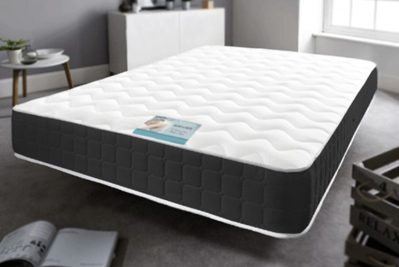 7″ or 10″ Black Border Memory Foam Sprung Mattress – 6 Sizes (£34)