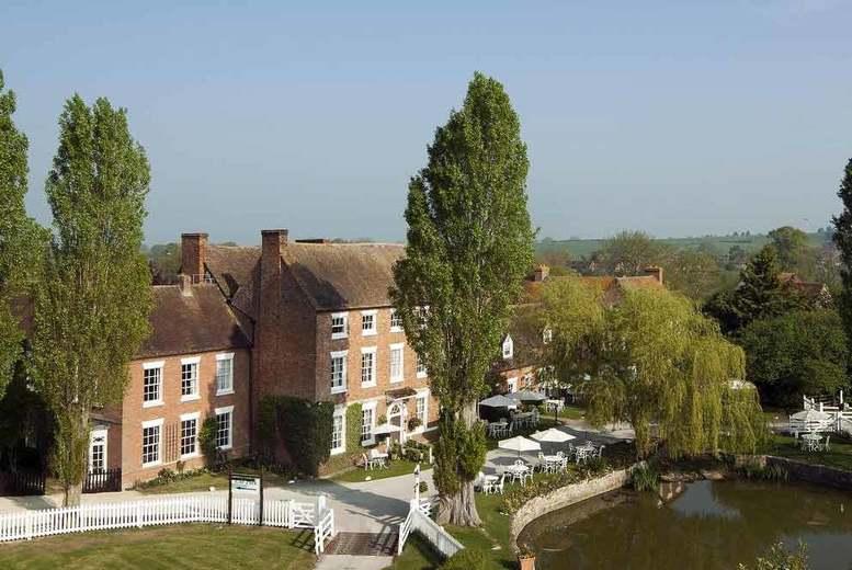 Spas & Country House: Romantic Cotswolds Escape, Breakfast & Cream Tea for 2