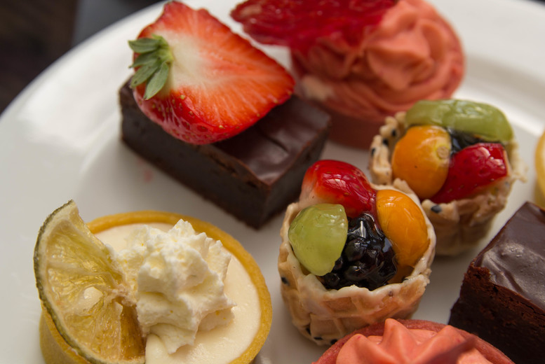Restaurants & Bars: Afternoon Tea for Two with Prosecco @ Corus Hyde Park Hotel