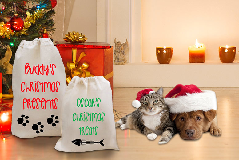 £6.99 instead of £24.99 (from Treats on Trend) for a personalised pet Christmas sack - choose from two designs and save 72%