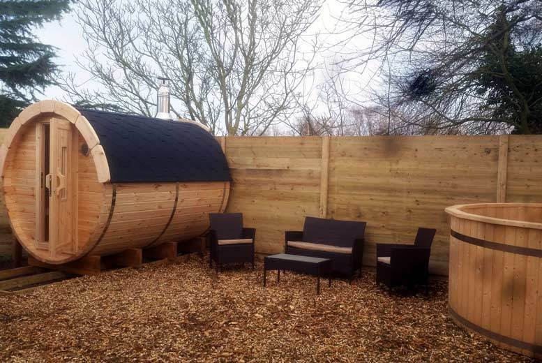 Activities: 2nt Glamping Break with Bubbly, Sauna & Hot Tub for 4