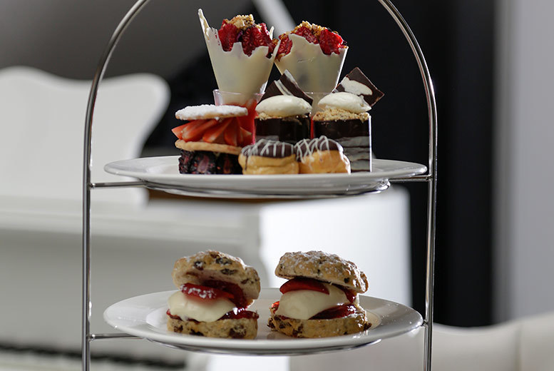 Restaurants & Bars: Traditional Afternoon Tea For 2 - Prosecco Upgrade!