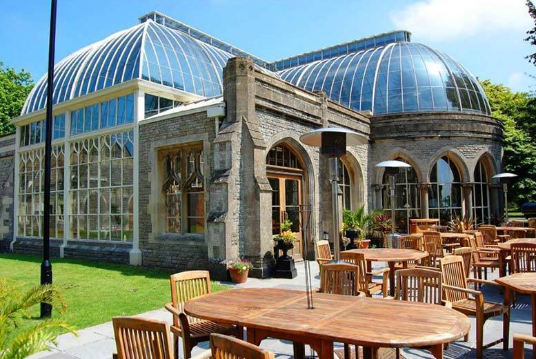 Spas & Country House: 4* De Vere Gloucestershire Manor House, Breakfast & Spa Access for 2