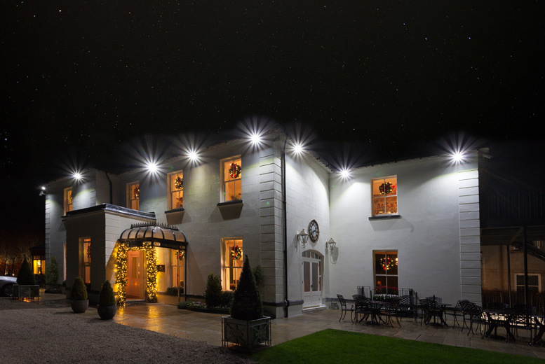Ireland: 1-2nt Stay, Dining & Prosecco for 2 @ 4* The Lodge at Ashford Castle