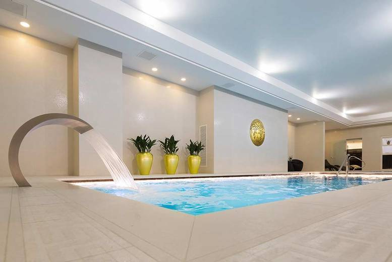 Beauty: Spa Experience For 1 or 2 @ 5* Montcalm - Massage, Spa Access, Bubbly & Treatment Voucher!