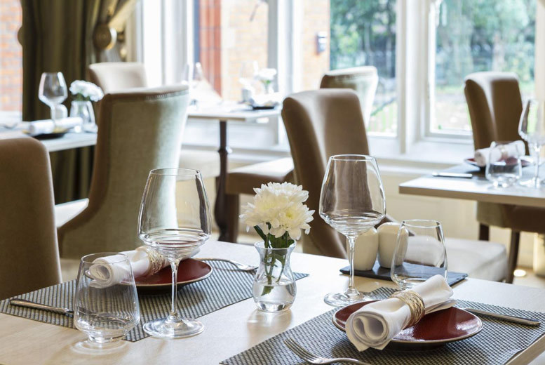 Restaurants & Bars: 3-Course Dining & Champagne for 2 @ St Paul's Hotel, Kensington