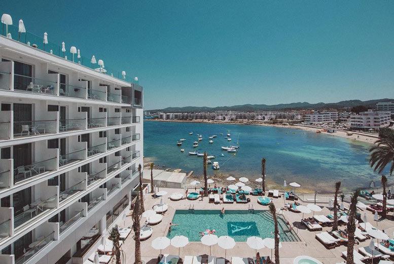 Beach Holidays: 3-7nt 4* Ibiza Escape, Breakfast & Flights - Optional Transfers!