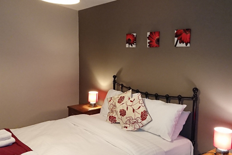 UK City Breaks: Central York Apartment Stay & Breakfast for up to 4