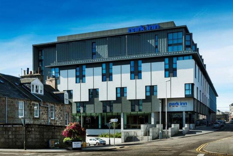 UK City Breaks: 4* Central Aberdeen Escape & Breakfast for 2 - Dinner & Wine Option