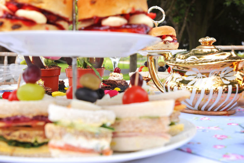 Restaurants & Bars: English Garden-Themed Afternoon Tea & Bubbly for 2 @ The Wroxeter Hotel