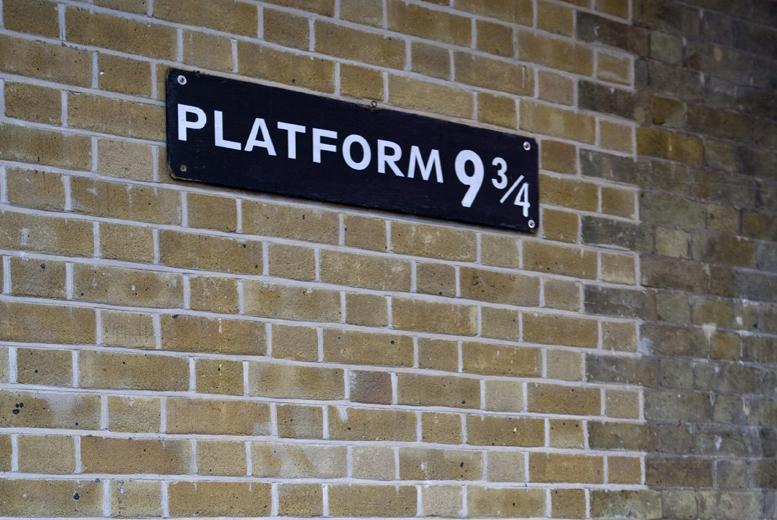£9 instead of £33 for a three-hour Harry Potter tour of London, Oxford or Edinburgh - experience the magic and save 73%