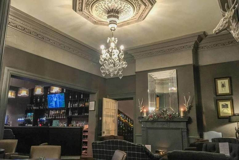 Spas & Country House: Peak District Escape, Breakfast, 3-Course Dinner & Prosecco for 2