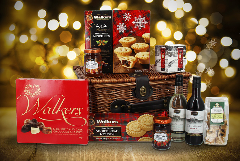 Food and Drink: Christmas Wicker Hamper - Fudge, Wine, Mince Pies & More!