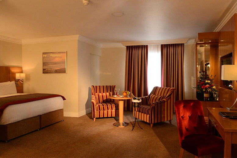 Ireland: 4* Clanree Hotel Break, Leisure Access, Wine & Late Check Out for 2