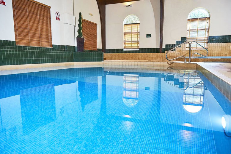 Spas & Country House: 4* Sedgebrook Hall Escape, Dinner, Breakfast & Leisure Access for 2