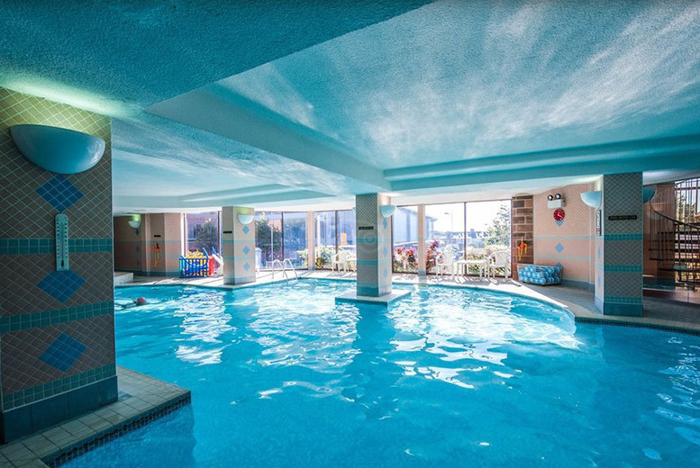 Spas & Country House: 2nt Spa Break for 2 @ The Cairndale Dumfries - Dinner Option!
