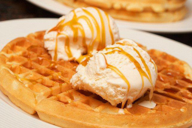 £9 instead of £18.80 for waffles, 2 scoops of gelato and hot chocolate for 2 at Lick, Soho - get a serious sugar fix and save 52%