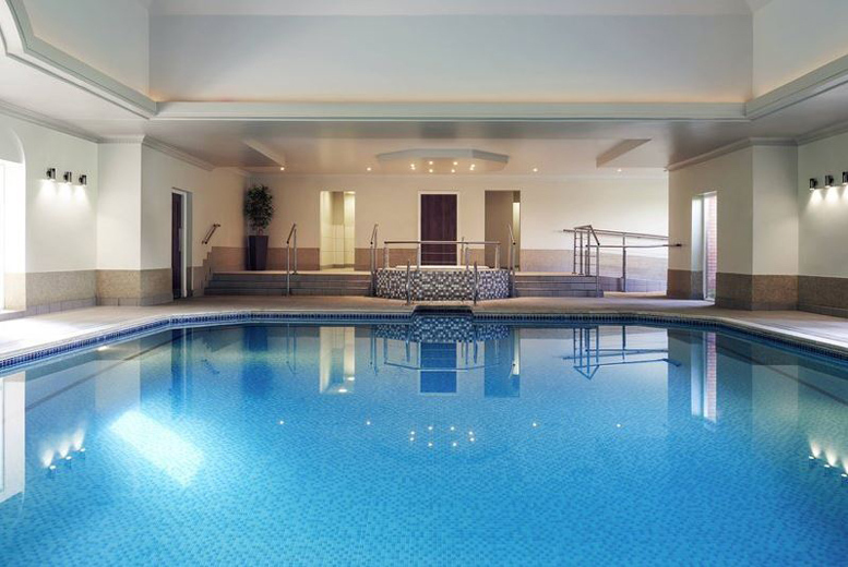 Spas & Country House: 4* Shropshire Manor, Dinner & Leisure Access for 2 - Superior Room