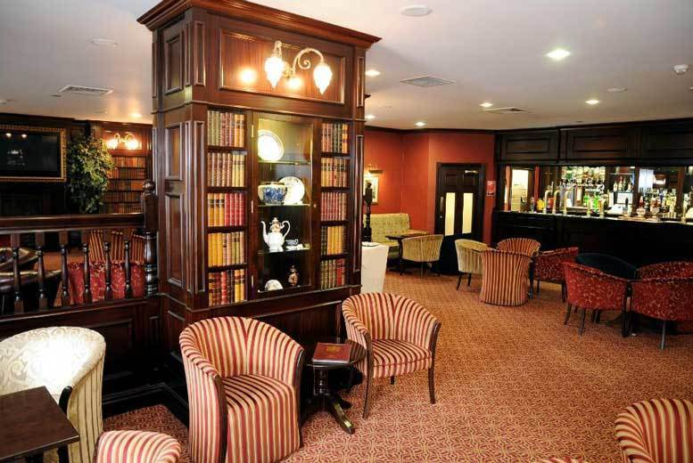 UK City Breaks: Yorkshire Stay, Breakfast & Leisure Access for 2 @ Carlton Park Hotel