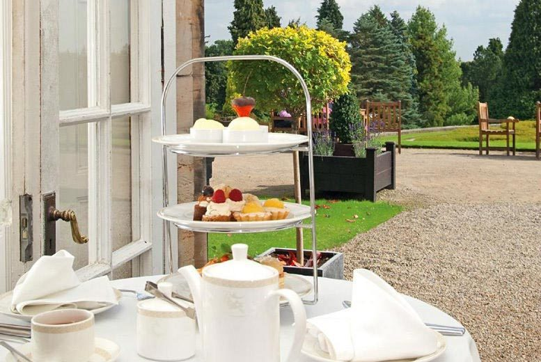 Restaurants & Bars: Deluxe Afternoon Tea & Prosecco for 2 @ Warner Hotels - 8 Locations