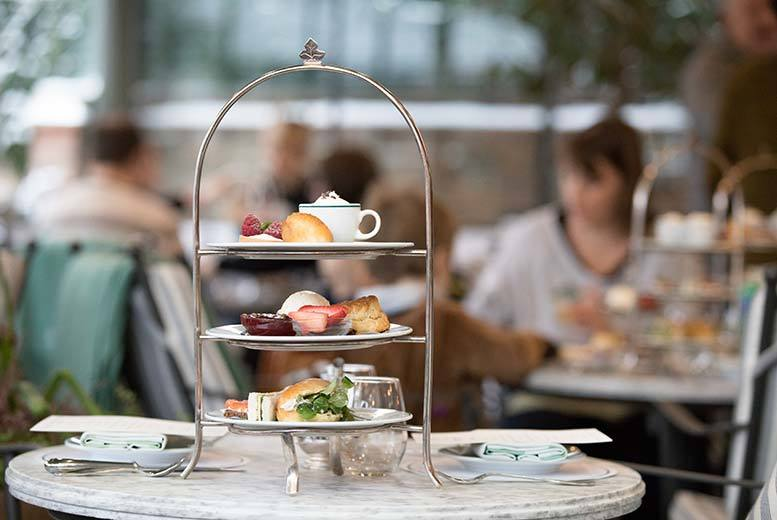Restaurants & Bars: Sparkling Afternoon Tea for 2 @ Tavern, Widnes