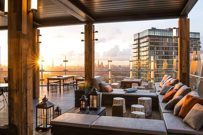 UK City Breaks: 4* London Stay, Breakfast, Dining & Cocktail @ Planet Hollywood