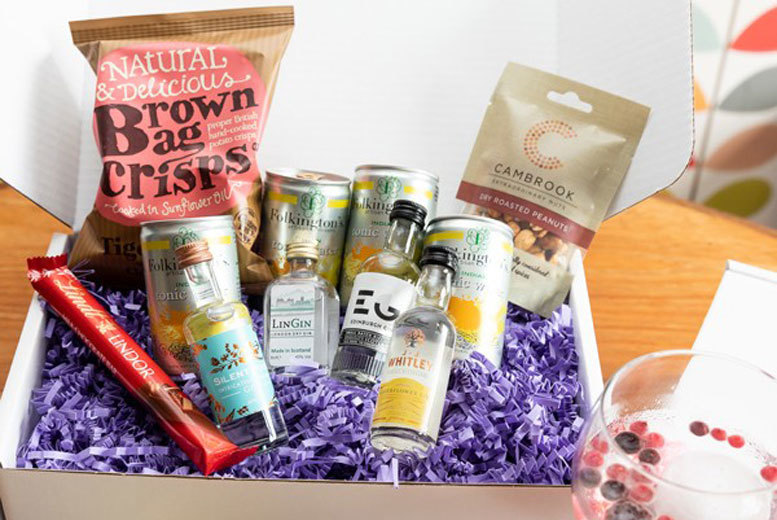 Food and Drink: Personalised Gin Hamper - Large Upgrade!